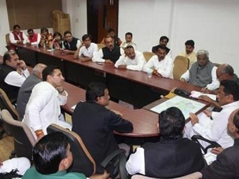 Kamal Nath Cabinet : उद्योगों के लिए प्रशिक्षित व्यक्ति की जरूरत पूरी करने बनेंगे उत्कृष्टता केंद्र