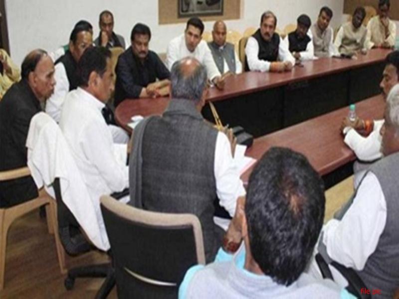 Kamal Nath Cabinet : मंत्रियों ने माना कि राष्ट्रवाद की लहर के कारण हारे