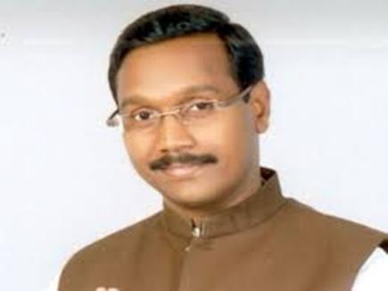 मध्यप्रदेश के मंत्री के काफिले में दिखी सुरक्षा में चूक, पूर्व विधायक ने दौड़ाया वाहन