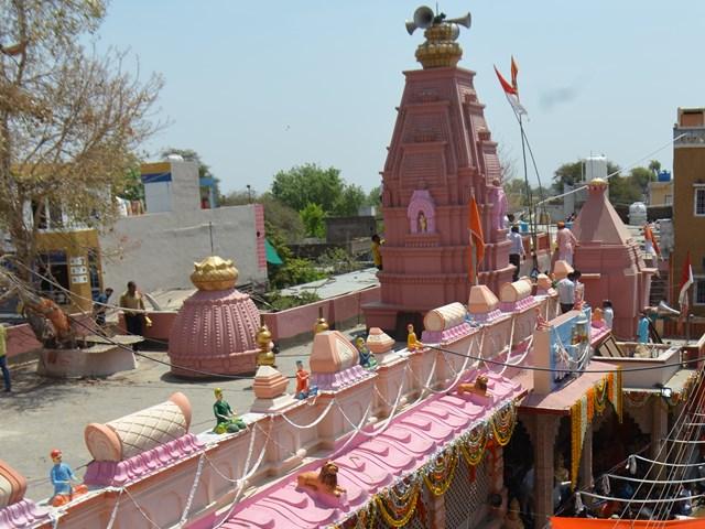 ग्रामीणों ने जुटाए पांच करोड़ और करवा दिया 319 साल पुराने मंदिर का जीर्णोद्धार
