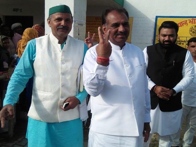 अमरोहा में भाजपा उम्मीदवार ने लगाया बुरके की आड़ में फर्जी मतदान का आरोप