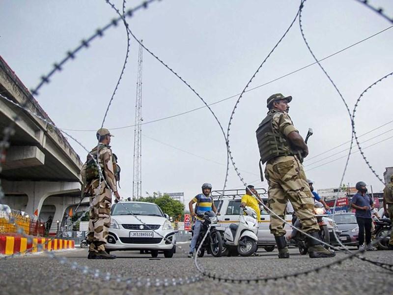 Jammu Kashmir Article 370: कश्मीर के इन 3 नेताओं को आज सरकार करेगी रिहा, 5 अगस्त से हिरासत में थे