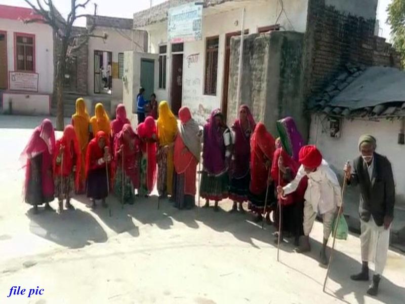 केराकोना : यहां हर घर में एक शख्स कुबड़ा, गांव में सभी के दांत काले