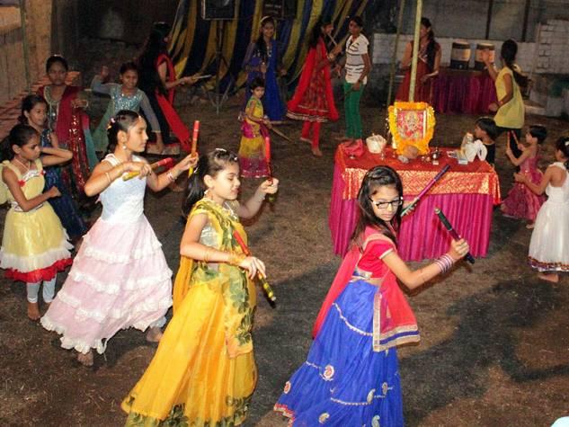 खंडवा जिले में गरबों की धूम के बीच शक्ति की आराधना