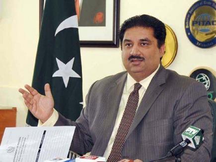 पाकिस्तान के रक्षा मंत्री ने भारत को फिर दी गीदड़ भभकी