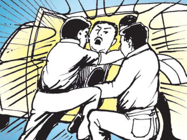 उदयपुरः टोल प्लाजा के मैनेजर और पुलिसकर्मी का बजरी माफिया ने किया अपहरण