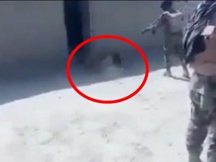 PAK Army Brutal Video : पाक सेना ने घर से निहत्थे बलूच नागरिक को खींचकर गोलियों से भूना