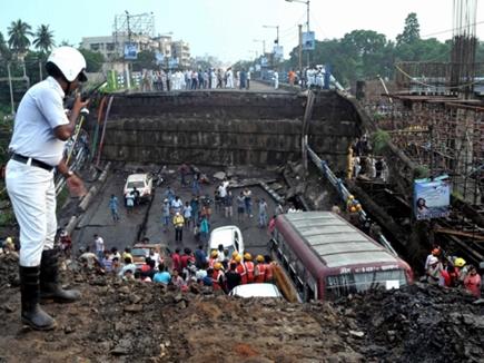 कोलकाता ब्रिज हादसा : PWD को रिपोर्ट में पाया गया दोषी