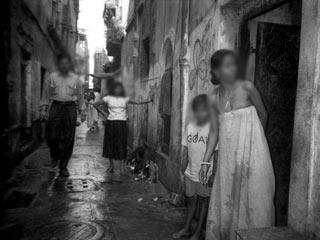 उर्मी की हिम्मत, यौनकर्मी के बच्चे और शिक्षा