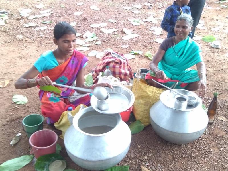 Kondagoan : आदिवासी अंचल में सजता है यह बाजार, दूर-दूर से आते हैं नशे के तलबगार