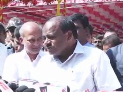 कर्नाटक में फिर सरकार अस्थिर करने के आरोप, CM बोले विधायक मेरे संपर्क में