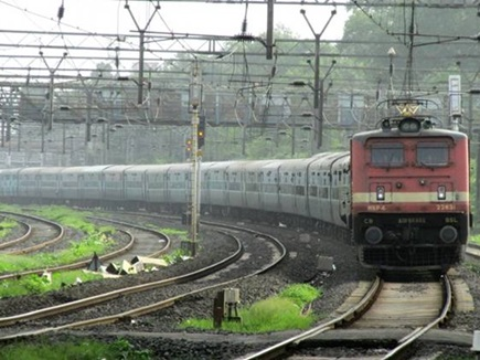 Kumbh 2019 : घूमने का बना रहे प्लान, शुरू हो गई ये नई साप्ताहिक ट्रेन
