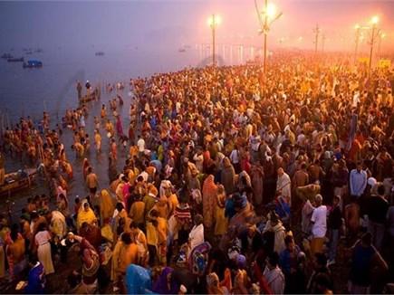 Kumbh Mela 2019: संगम पहुंचे कोटि-कोटि देव, पहले कुंभ स्नान को दौड़े लोग