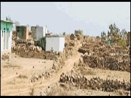 उद्योग के लिए आवंटित 405 बीघा जमीन पर बन गए सैकड़ों मकान