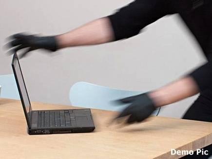 पुलिस ने टाला तो छात्र ने इस तरह ढूंढ निकाला लैपटॉप चोर