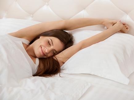 सुबह उठकर करें ये 3 काम, दिनभर रहेंगे ऊर्जा से भरे और सही निकलेंगे फैसले