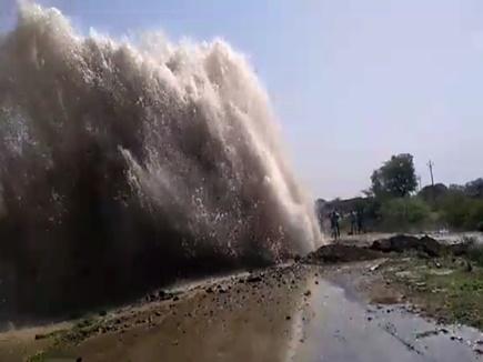 खरगोन(मप्र):  नहर फूटी, लाखों गैलन पानी बहा