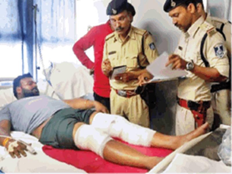 Gangwar In Bhopal : फिल्मी स्टाइल में जीप से पहुंचे बदमाशों ने ढाबे में की फायरिंग, ये है मामला