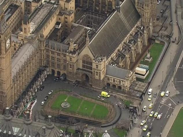 तस्वीरों में देखिए ब्रिटिश संसद पर हमले की कहानी