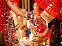 प्रेम विवाह किया तो समाज ने वसूला 1.11 लाख रुपए जुर्माना, फिर भी बहिष्कार