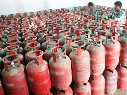 lpg cylinder general store 2017321 807 20 03 2017