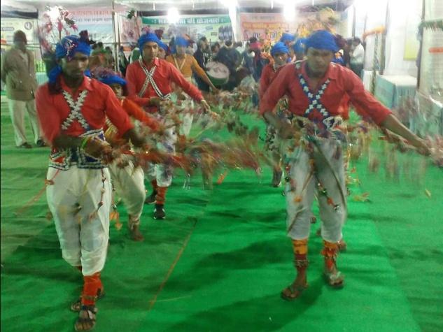 सिरपुर महोत्सव के शुभारंभ पर बिखरे संस्कृति के रंग