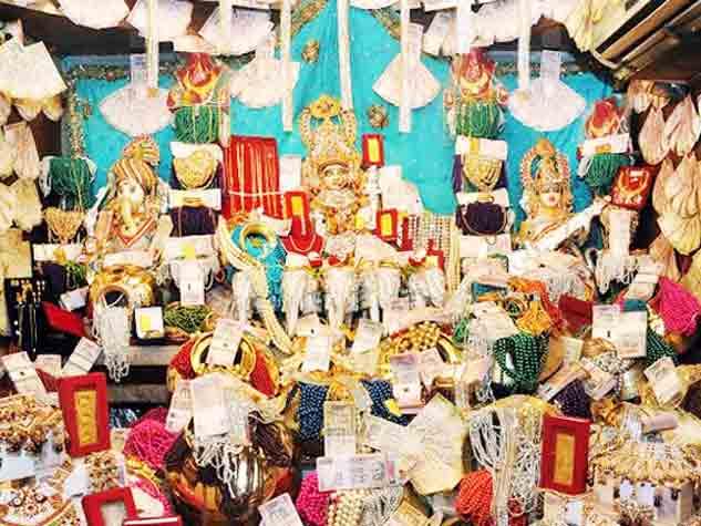 80 करोड़ से हुआ रतलाम के महालक्ष्मी मंदिर में श्रृंगार