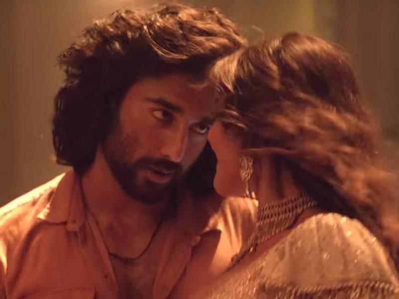Malaal Movie Review: अंत में इमोशनल कर देती है यह ट्रेजिक लवस्टोरी