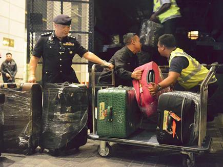 Malaysia : पूर्व PM नजीब के घर से मिले नकदी, जवाहरात से भरे 70 बैग