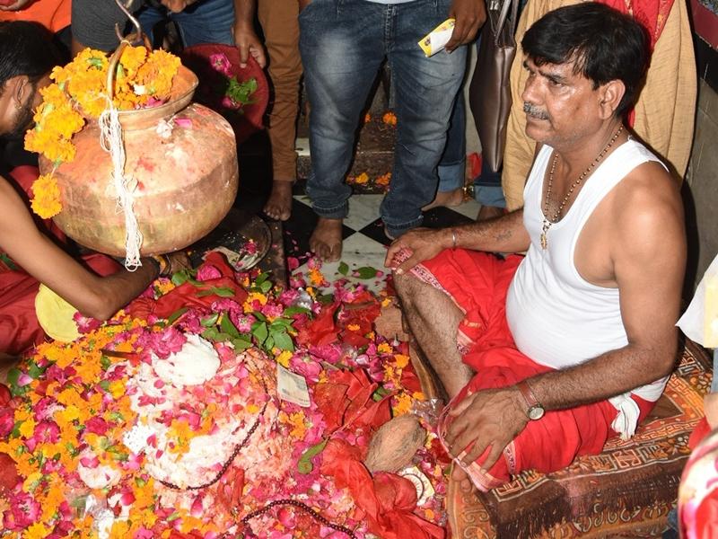 उज्जैन के मंगलनाथ मंदिर में नया रिकॉर्ड, एक दिन में 707 भातपूजा