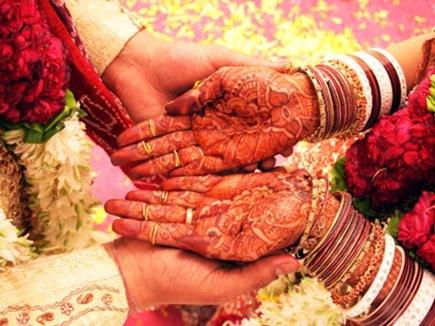 बेटी का विवाह करने से पहले 21 जरूरतमंद बेटियों का कन्यादान