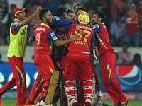 बारिश से प्रभावित मैच में आरसीबी का जलवा