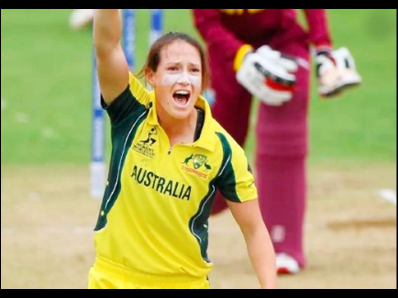 Australia Woman Cricketer: ऑस्ट्रेलिया की मेगन शट ने रचा इतिहास, 2 हैट्रिक लेने वाली पहली महिला