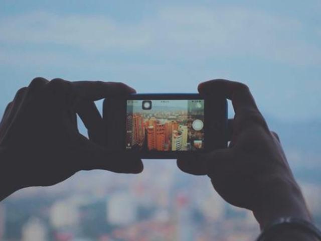 2021 तक 50% स्मार्टफोन में होंगे तीन या इससे अधिक कैमरा सेंसर