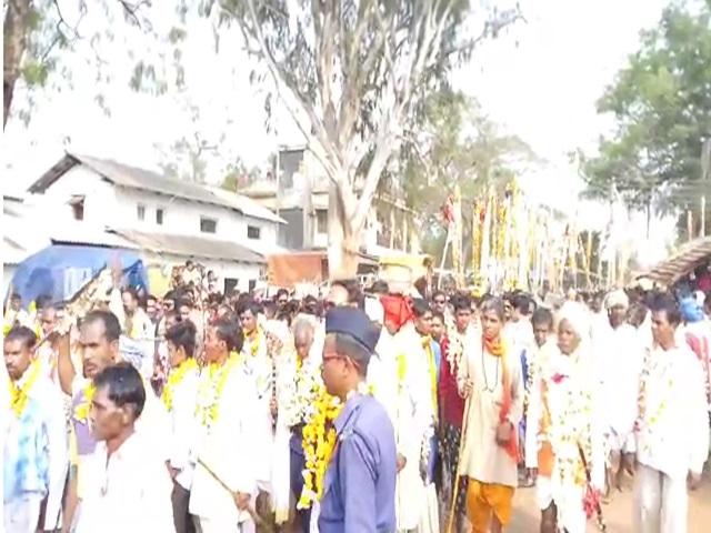 बस्तर में खास महत्व रखता है यह मेला, शामिल होते हैं 350 गांवों के देवी-देवता
