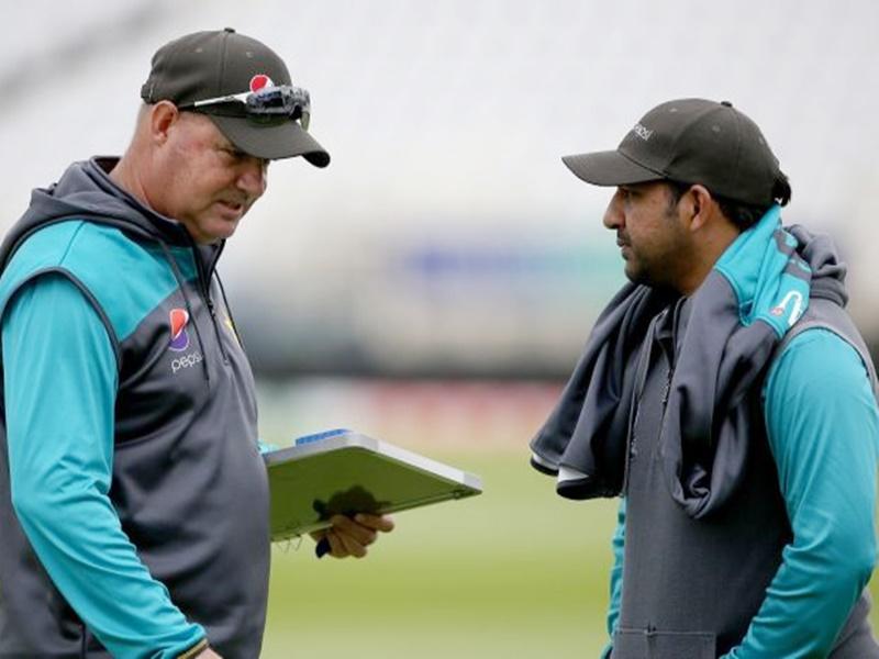 पाकिस्तानी कोच ने की कप्तान सरफराज को बाहर करने की सिफारिश, ये है वजह