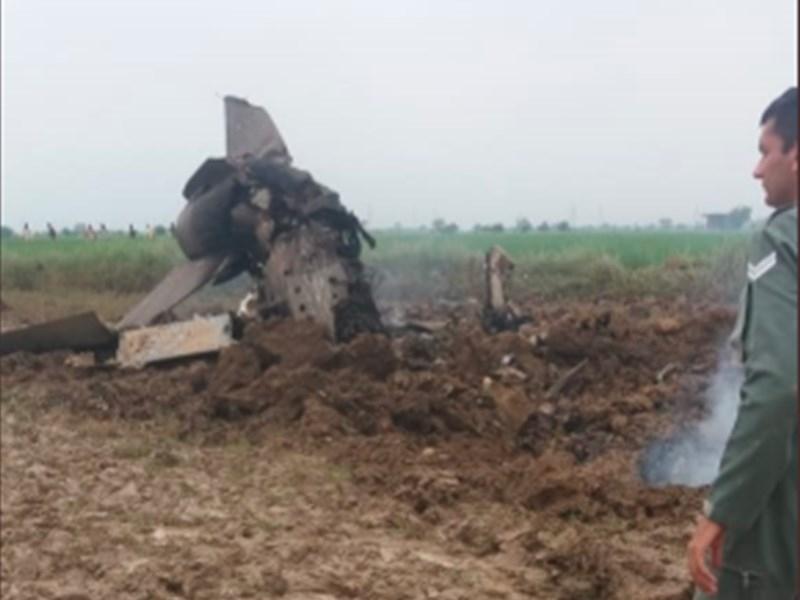 Gwalior MIG-21 Crashed : बारिश ने बढ़ाई मुसीबत, एयर लिफ्ट से पहुंच रहे मिग-21 के मलबे तक