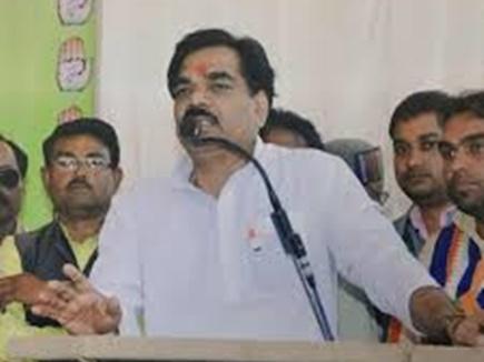कांग्रेसी भिड़े, प्रभारी मंत्री ने कहा- इन्हीं हरकतों से रीवा में 1 भी सीट नहीं मिली