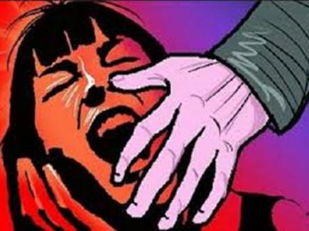 टीकमगढ़ : नाबालिग का अपहरण कर  सामूहिक दुष्कर्म, पत्थर से कुचला चेहरा, मरा समझकर भागे आरोपित