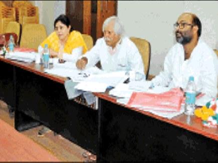 मिस्त्री ने नेताओं से पूछा- 2013 के चुनाव में क्यों हारी थी कांग्रेस?