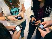 सूरत में मनपा स्कूलों में मोबाइल पर पाबंदी