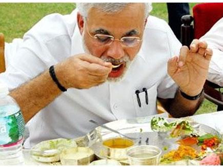 PM Modi के साथ रसोइया भी गया भूटान