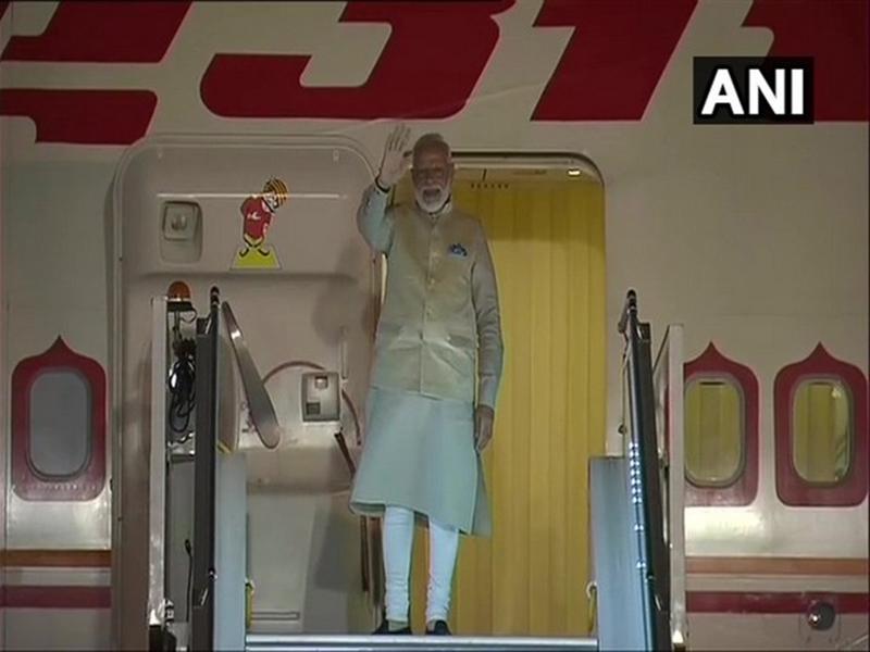 PM Modi US Visit: ह्यूस्टन पहुंचे पीएम मोदी, आज रात होगा 'हाउडी मोदी' इवेंट