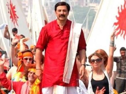 सनी देओल की विवादित फिल्म 'मोहल्ला अस्सी' को सेंसर ने किया पास