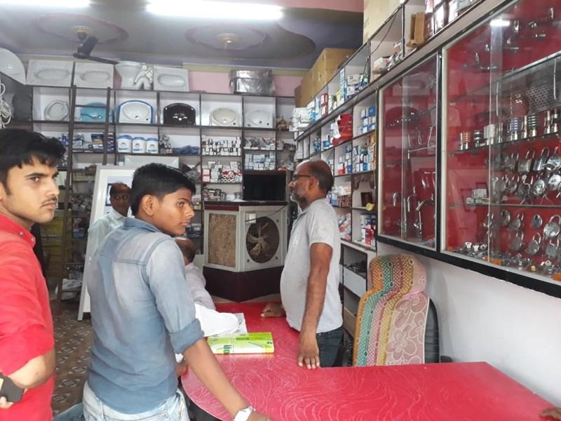 Shivpuri News : ताला खरीदने आए थे, 53 हजार रुपए से भरा बैग उठा ले गए
