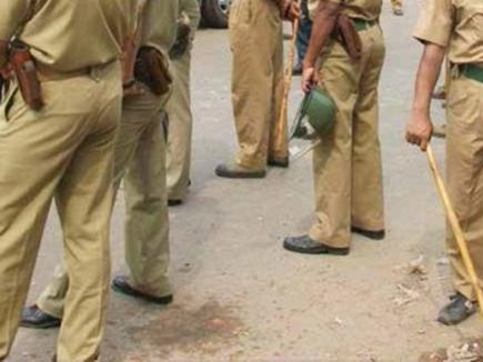 मुरैना में जुआ पकड़ने गई पुलिस टीम पर हमला, पथराव