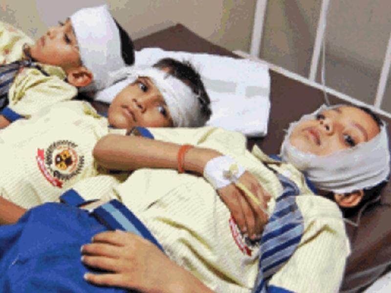 मुरैना में यात्री बस और स्कूल बस की टक्कर, 24 बच्चों सहित 38 घायल