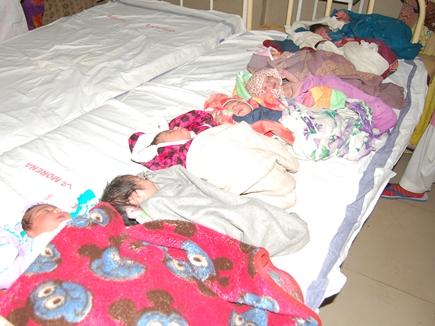 मुरैना में बेटियों का रहेगा नया साल, जिला अस्पताल में 13 बेटियों और 9 बेटों ने लिया जन्म