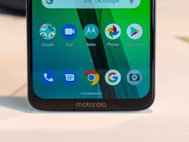 Moto भी 4 कैमरे वाला फोन लाने की तैयारी में, इंटरनेट पर लीक हुई तस्वीर