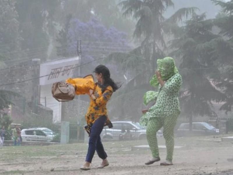 Monsoon Alert: अगले 24 घंटों में भारी बारिश का अलर्ट, इन राज्यों में लोग रहें सतर्क